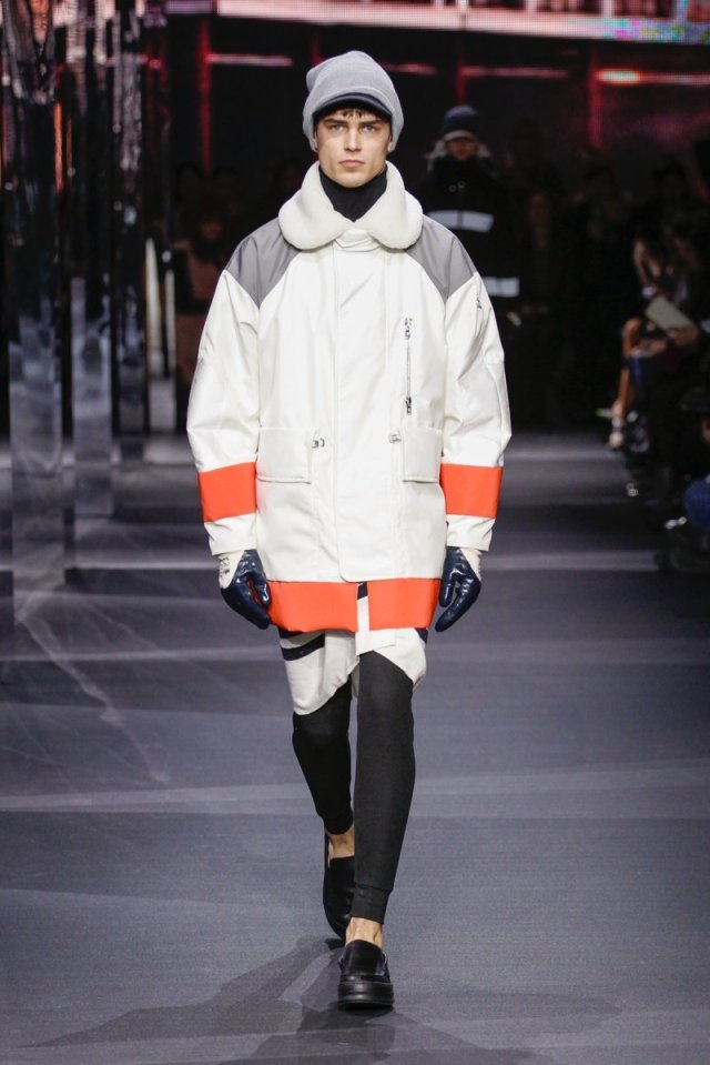 800x1199xmoncler-gamme-rouge-fall-winter-2014-photos-001.jpg.pagespeed.ic.EoV-Zt5qMd