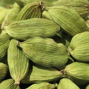 essential oil cardamom seeds