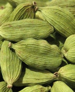 essential oil cardamom seeds