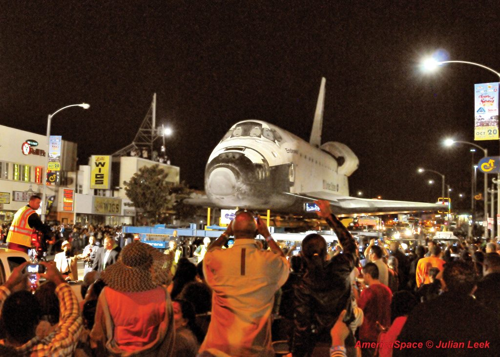 Endeavour moves slowly through streets of Los Angeles. Credit: Julian Leek
