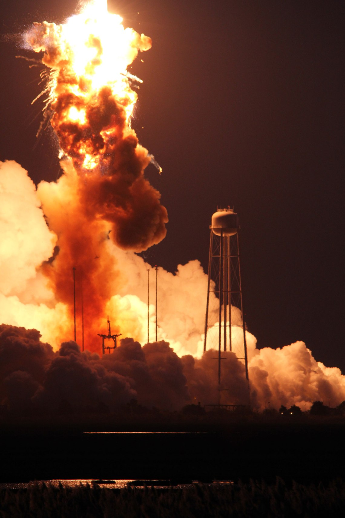 The rocket carrying the Orb-3 mission exploded seconds after liftoff from the NASA's Wallops Flight Facility. Credit: Ken Kremer