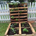 Amazing Creative Wood Pallet Garden Project 56