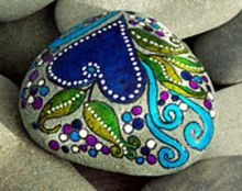 Creative diy painting rock for valentine decoration ideas 19
