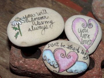 Creative diy painting rock for valentine decoration ideas 23