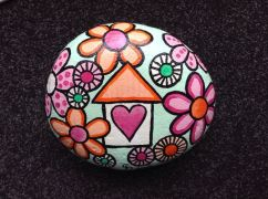Creative diy painting rock for valentine decoration ideas 3