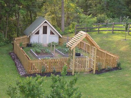 Homestead farm garden layout and design for your home 15