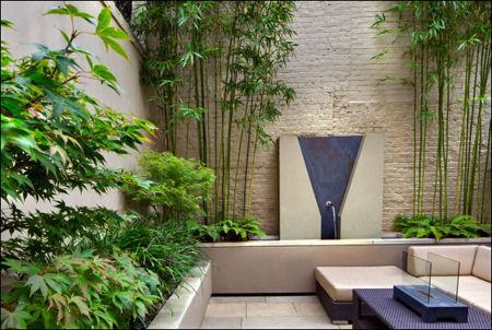 Small courtyard garden with seating area design and layout 112