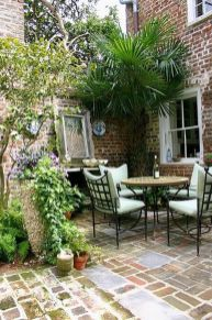 Small courtyard garden with seating area design and layout 86