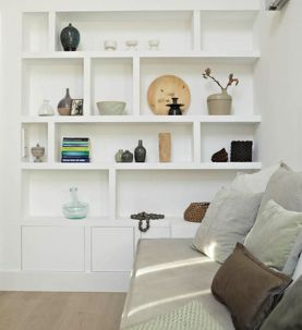 Brilliant Built In Shelves Ideas for Living Room 38