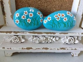 Creative DIY Easter Painted Rock Ideas 40