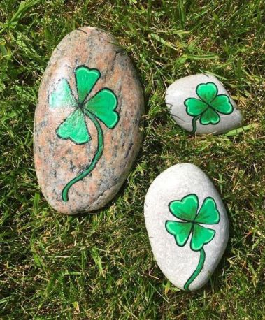 Creative DIY Easter Painted Rock Ideas 57