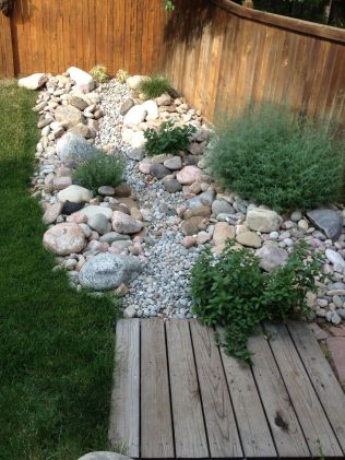 Inspiring Dry Riverbed and Creek Bed Landscaping Ideas 39