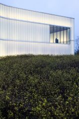 Stunning Glass Facade Building and Architecture Concept 42