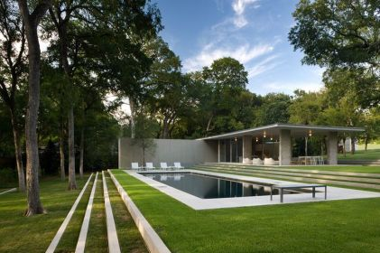 Stunning Outdoor Pool Landscaping Designs 13