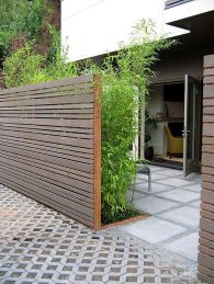 Stunning Privacy Fence Line Landscaping Ideas 10