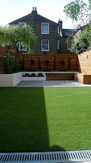 Stunning Privacy Fence Line Landscaping Ideas 55
