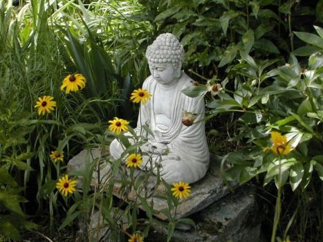 Awesome Buddha Statue for Garden Decorations 22
