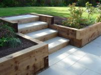 Front Yard and Garden Walkway Landscaping Inspirations 31
