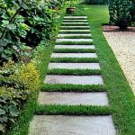 Front Yard and Garden Walkway Landscaping Inspirations 45