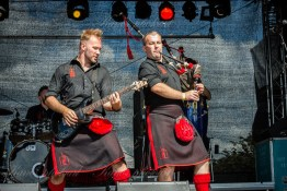 red-hot-chili-pipers-woa-14-2395(1)