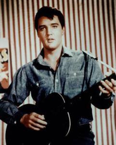 Snema se dokumentarec o Elvisu Presleyu