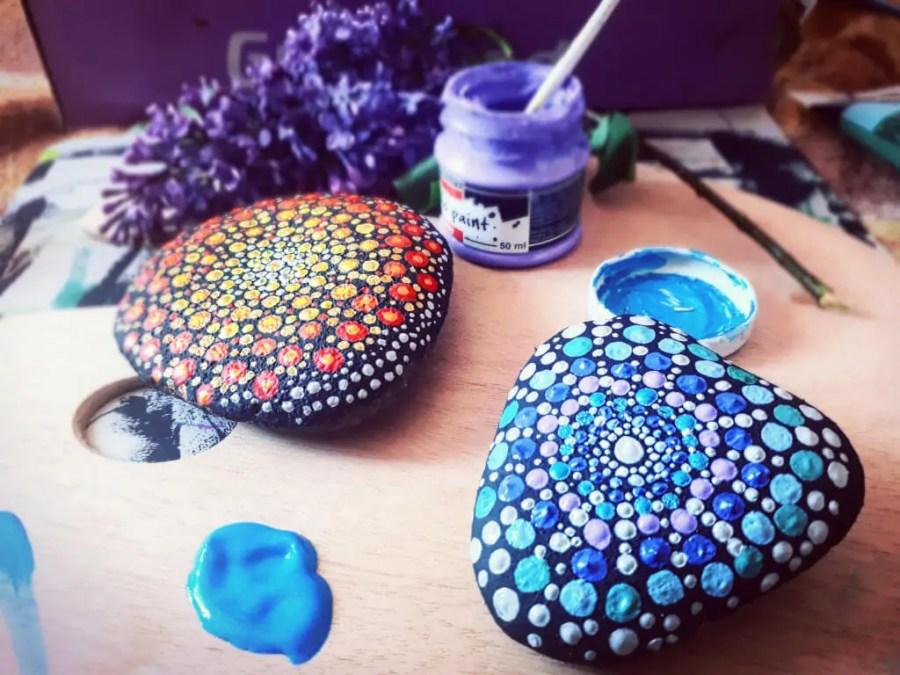 blue and rad mandala stones