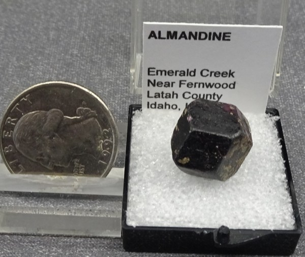 Almandine4-1-4