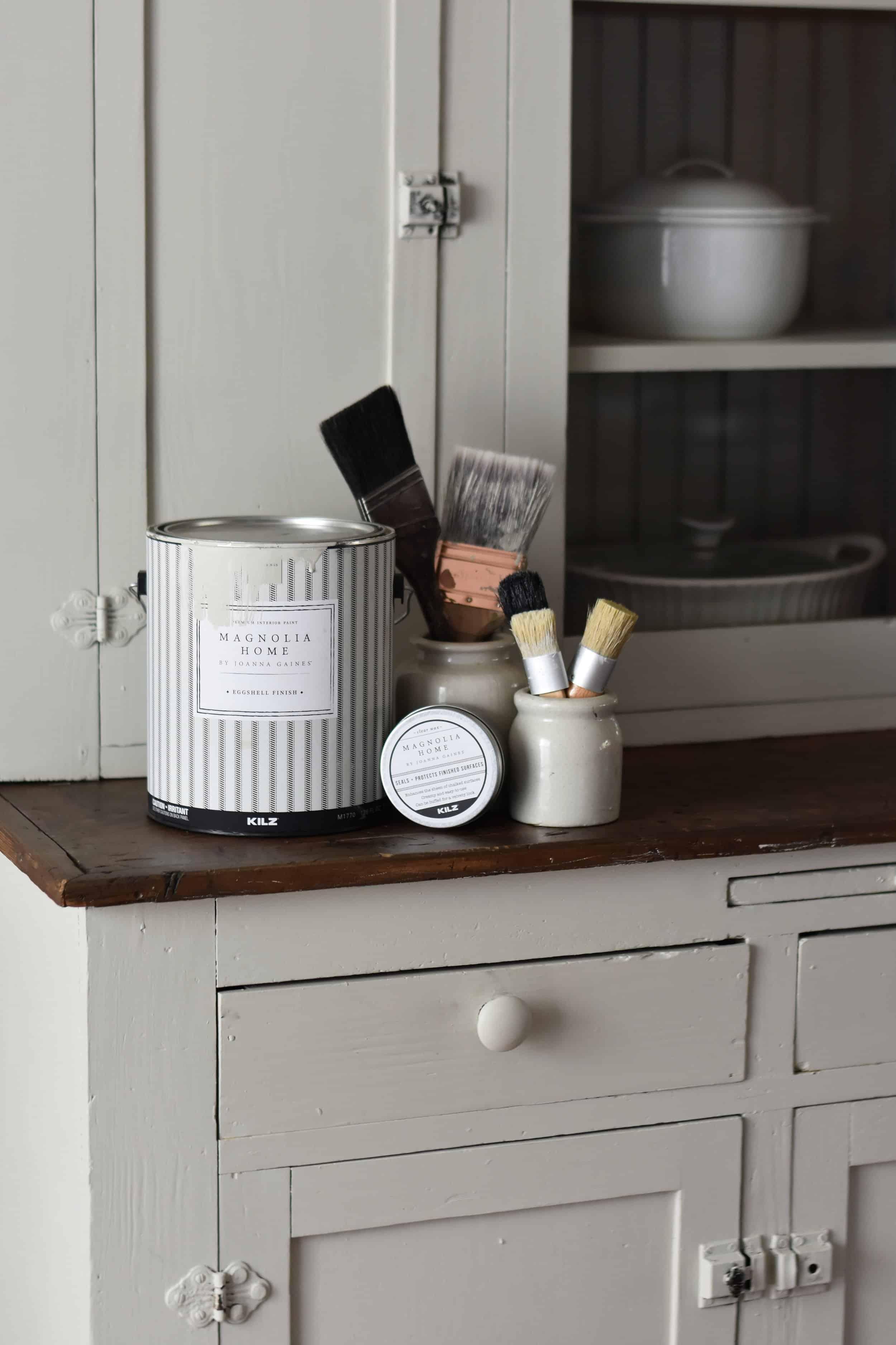 foto de Farmhouse Style Cabinet Makeover - Rocky Hedge Farm