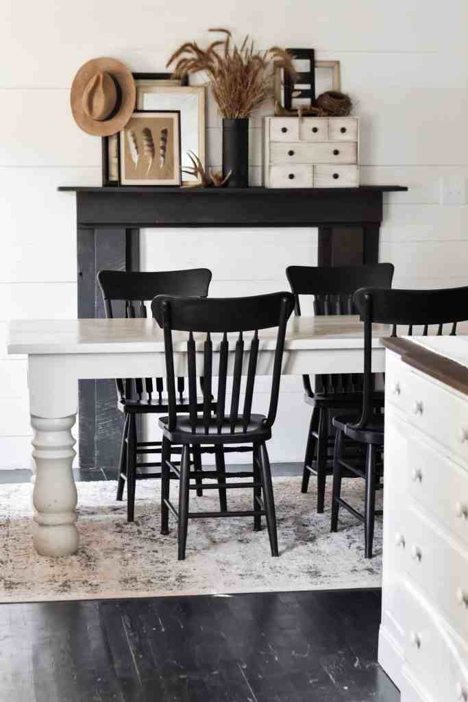 Rustic Farmhouse Dining Room Mantel Decor. Simple Ideas for Decorating for Fall