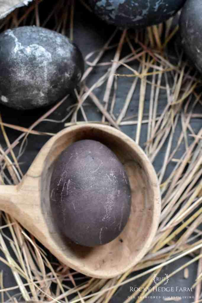 How to Dye Easter Eggs with Elderberries