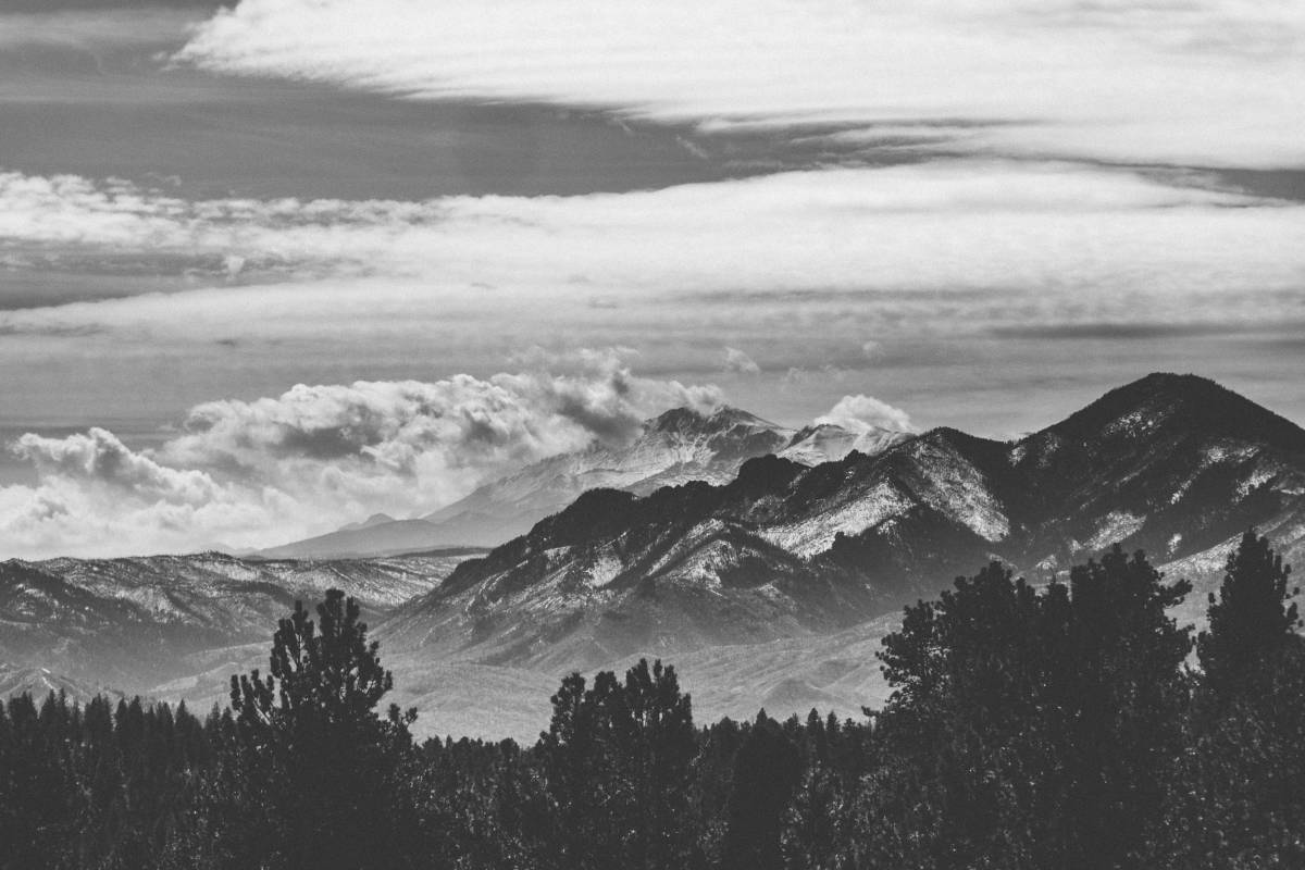 Pikes Peak really is stunning and imposing from this vantage point.