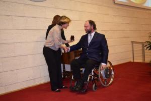 Il Ministro Beatrice Lorenzin, premia con la Medaglia di Bronzo al Merito della Sanità Pubblica l'Architetto Rodolfo Dalla Mora.