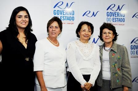 Governadora_participa_da_entraga_do_Prmio_Mulher_Cientista_-_Elisa_Elsie_9