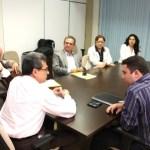 1medicos_em_reunio_com_a_sec_d1.1e_administrao_e_Saude_fpt_Ivanizio_Ramos_3