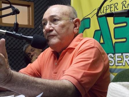 01VIVALDO-COSTA-RADIO