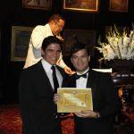 Amaury_Junior_recebendo_o_prmio_Melhores_do_ano_Verstil__fotoEliamedeiros2