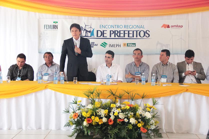 1_a_ESTADO_DEFINE_PROGRAMA_DE_RECUPERAO_DE_ESTRADAS