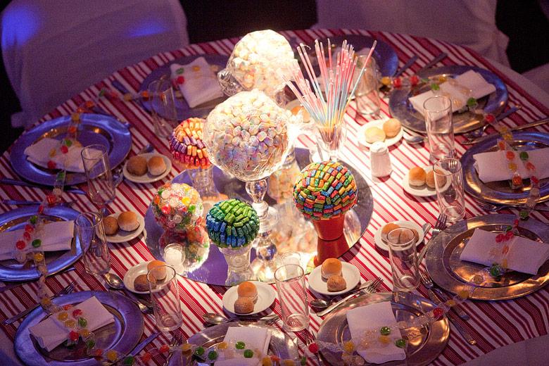 Detalle de mesa de bodas para niños