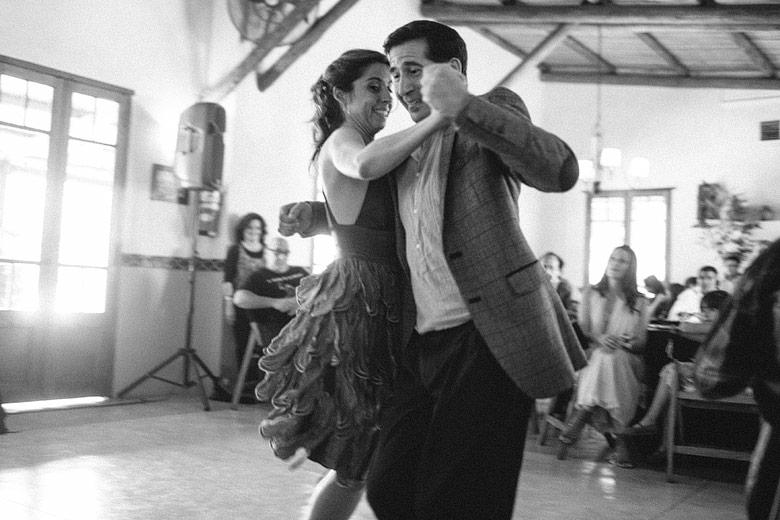 Bailarines de tango en el casamiento