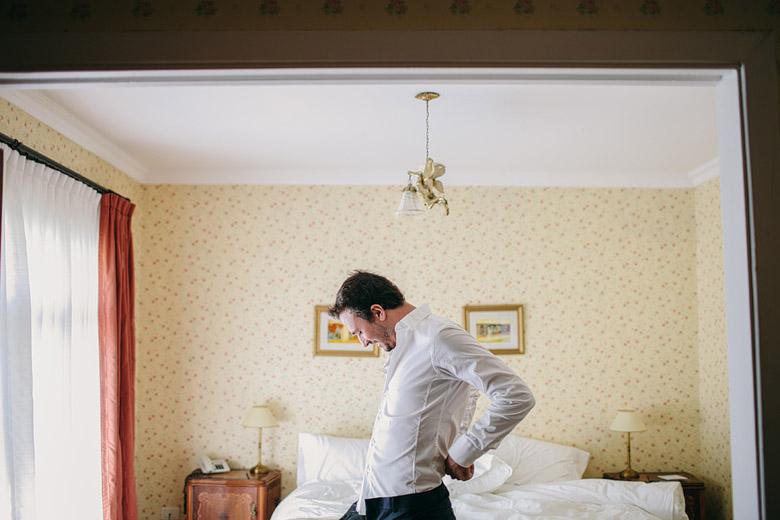 Preparacion del novio antes del casamiento