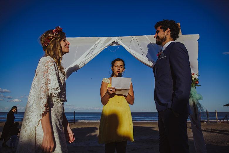 bodas en la playa de dia