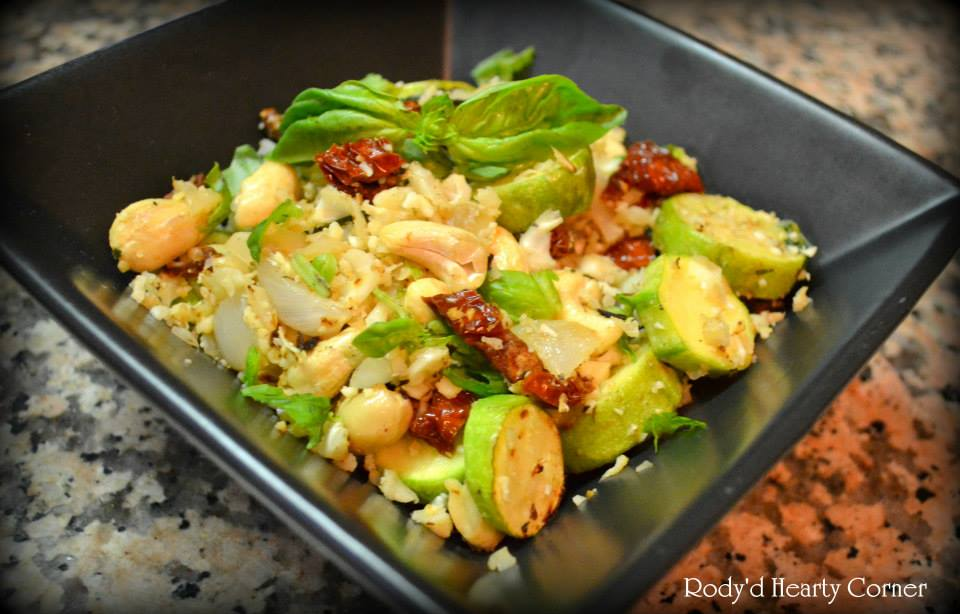 Cauliflower rice with Zucchini and Sun Dried Tomatoes