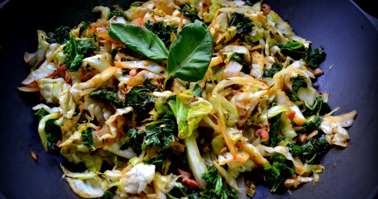 Cabbage slaw with bacon and kale