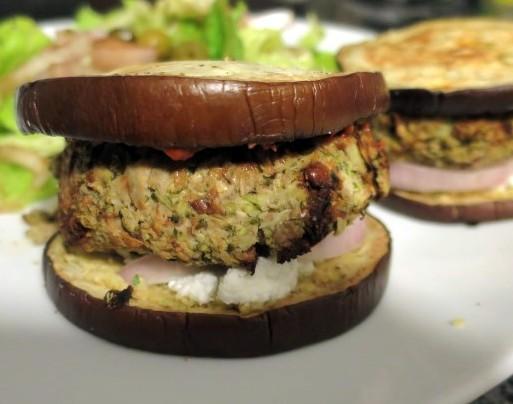 veggie burger closeup (Small)