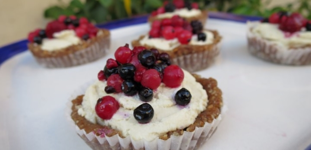 Raw Lemon Cashew Tartlets