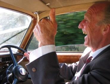 Pozytywnie zakręcony szofer