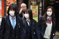 Tokyo dzieci idą do szkoły