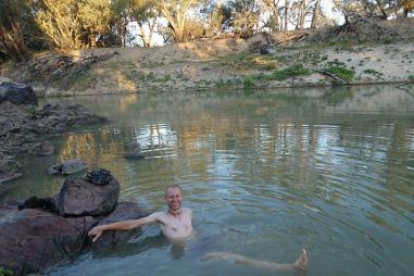Park Narodowy Toorale - kąpiel w rzece Darling