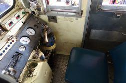 /srv/www/rodzinkawpodrozy.pl/htdocs/wp content/uploads/2018/01/Wnętrze pociągu jeżdżącego do targu na torach kolejowych