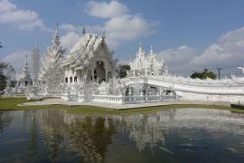 Niezwykła Biała Świątynia Wat Rong Khun  w Tajlandii